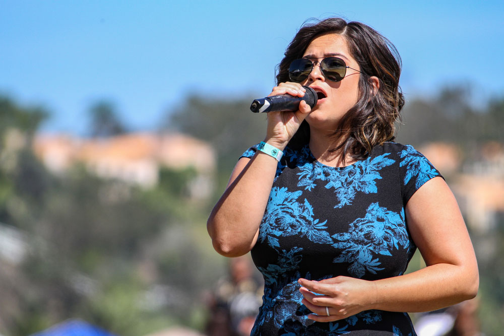 2015-SDPC-Spreckels-Cup.-National-Anthem-Singer-Jazmin-Feteke.-Photo-by-Eric-Young-web