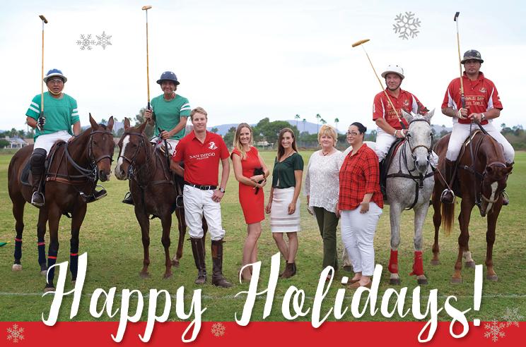 happy-holidays-team-photo