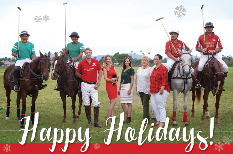happy-holidays-team-photo
